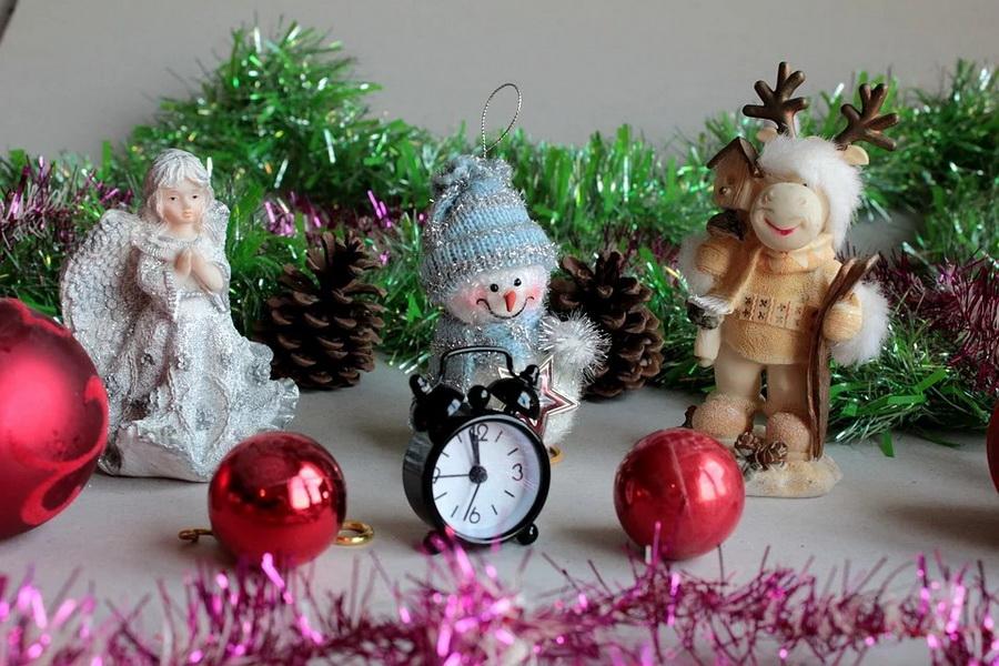 Что подарить начальнику на Новый год: идеи новогодних презентов