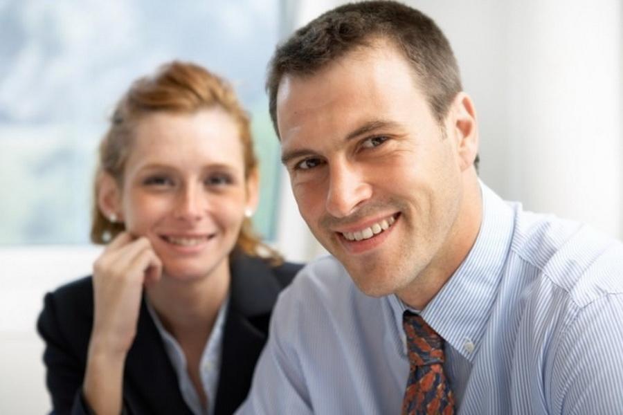 Роман с коллегой: как вести себя на работе