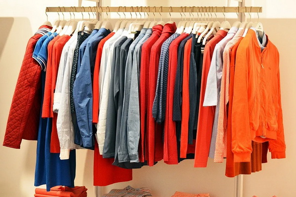 стоковая одежда