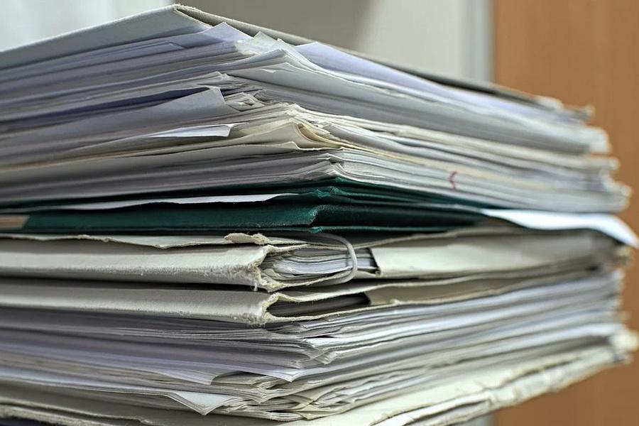 Какие документы нужны для трудоустройства, а какие бумаги работодатель требовать не вправе